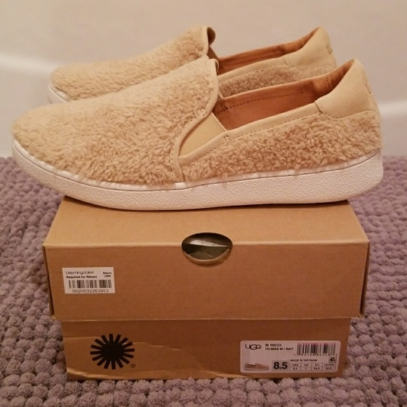 59939633e48 BRAND NEW in BOX Ugg Ricci slip on style sneaker.. NWT